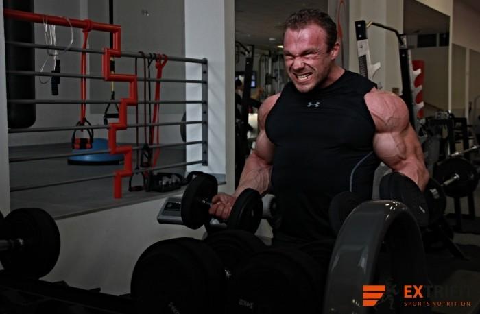 5 Najväčších chýb pri tréningu bicepsov